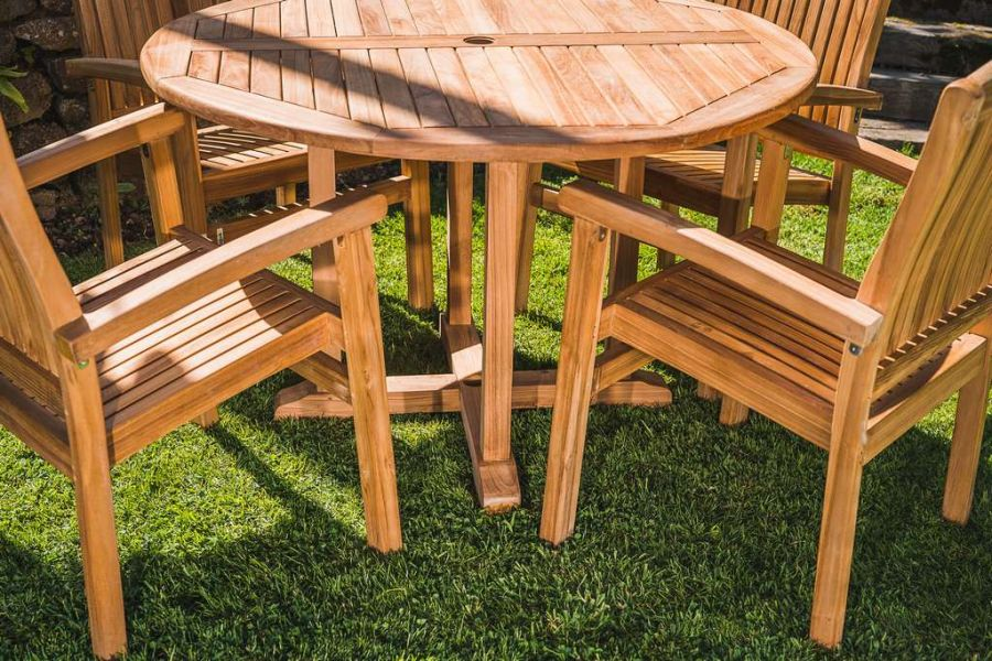 Chunky Teak 1.2m Round Pedestal Table And Stacking Chair set